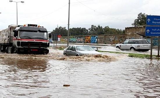 لبنان: وفاة امرأة وفقدان طفل جراء السيول في منطقة رأس بعلبك