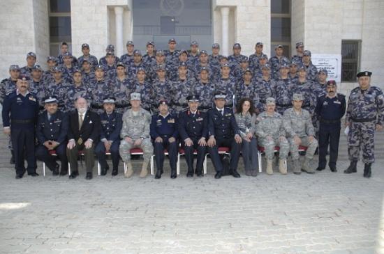الدفاع المدني يخرج دورة الإطفاء التأسيسية الخاصة بمرتبات الدفاع المدني