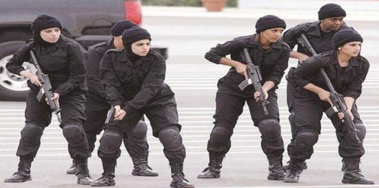 ضم النساء إلى الخدمة العسكرية يثير الجدل في الكويت ومسؤول: أعداد البنات أكثر من الشباب