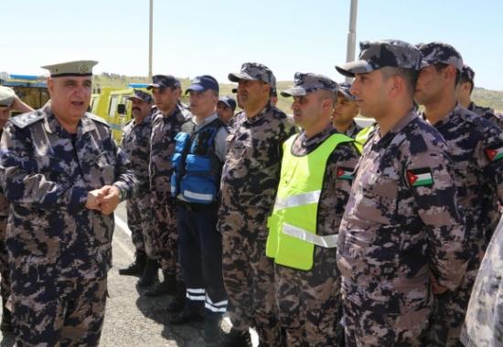 مدير عام الدفاع المدني يتفقد عدد من المراكز التابعة لمديرية دفاع مدني الزرقاء
