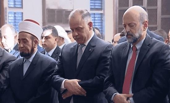 الامير فيصل يشارك المصلين أداء صلاة عيد الأضحى