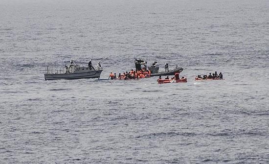 فقدان 81 مهاجرًا إثر غرق قارب قبالة السواحل التونسية