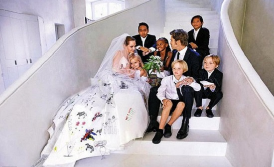 صور: بعيدا عن الأضواء.. مشاهير اختاروا الزواج سرا