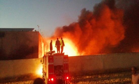 اخماد حريق مصنع الإسفنج في النعيمه بالكامل  - فيديو وصور
