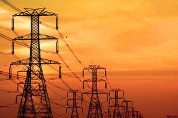 متخصصون يعرضون مخاطر التعامل مع التيار الكهربائي