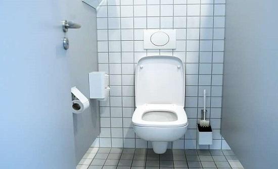 بلجيكي يحطم الرقم القياسي بجلوسه على المرحاض 116 ساعة.. فيديو!