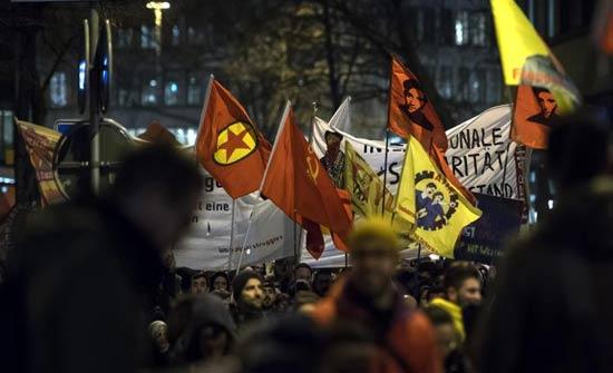 قادة أوروبيون يتحدثون اليوم بدافوس واحتجاج على ترمب