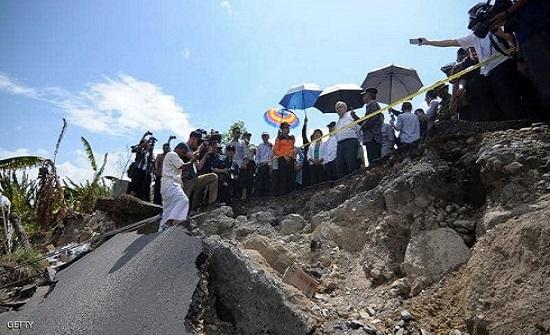 زلزال جديد بإندونيسيا.. فرار المئات وتحذير من تسونامي