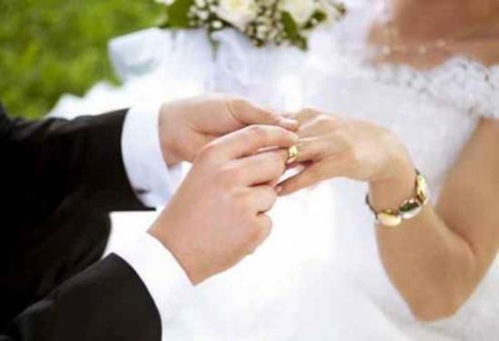 """شاب اردني يبتكر """"تطبيق جديد لزواج المسيار""""!"""