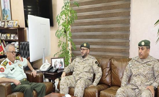 التميمي يستقبل وفداً عسكرياً سعودياً