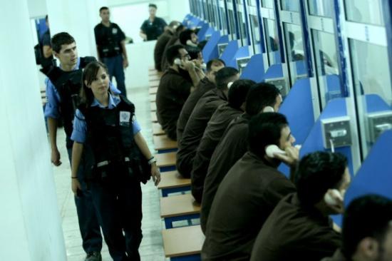 الحكم على أسير أردني بالسجن لمدة 16 شهرا