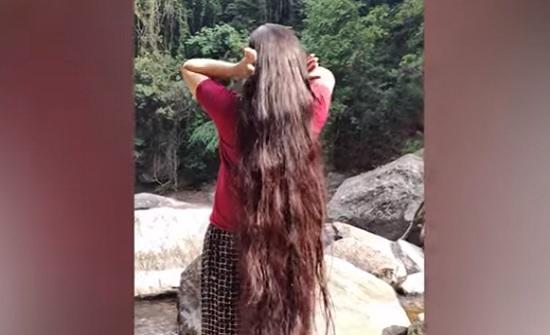 رابونزيل الحقيقية لم تقص شعرها لمدة 30 عاما (فيديو)