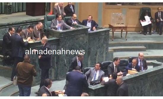 صور جديدة من انتخابات اللجان في الجلسة المسائية
