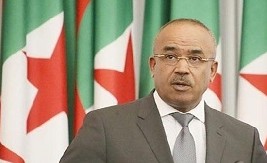 بالفيديو : محادثات لتشكيل الحكومة الجزائرية واحتجاجات لعمال شركات النفط