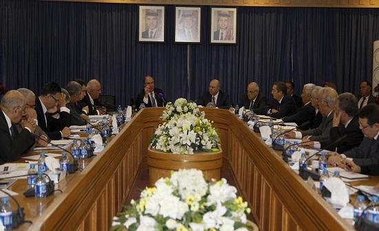 الملقي يتحدث عن مشاريع حكومية جديدة .. والفايز : الأردن يمر بمرحلة صعبة ( تفاصيل وارقام )