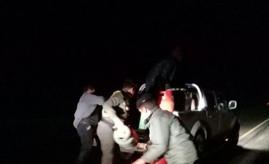 """بسبب الحالة الجوية : سقوط """"٤٥"""" إسطوانة غاز ممتلئة على الطريق الصحراوي"""