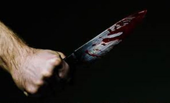 أب يقتل طفلاً رضيعاً بـ 32 طعنة