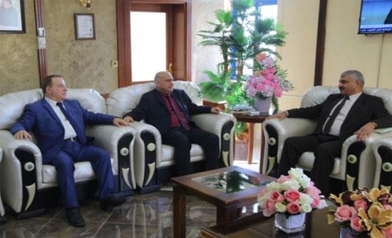 الملحق الثقافي العراقي يزور جامعة الزرقاء