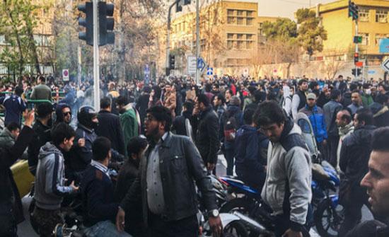 إيران.. تجمعات احتجاجية وإضرابات عمالية مستمرة