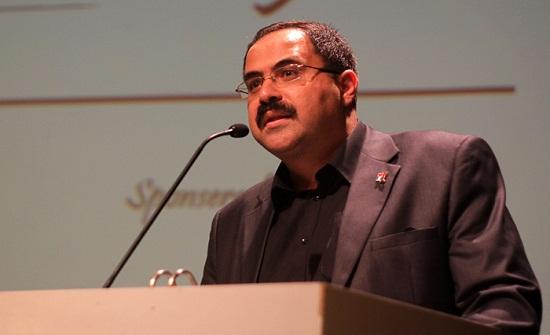 """توزيع قصة """"طلال ابن أديبة"""" في مدارس فلسطين"""