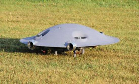 """فيديو : مهندس رومانى يصصم طائرة فى شكل """"طبق طائر"""""""