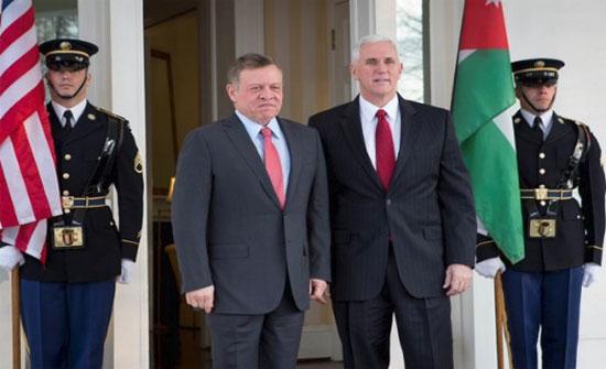 الملك يلتقي نائب الرئيس الأمريكي في قصر الحسينية