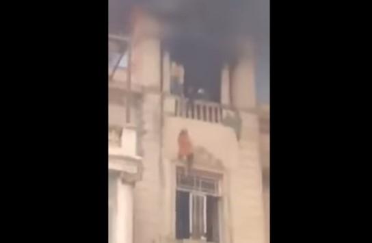 سقوط مصرية خلال إنقاذها من حريق