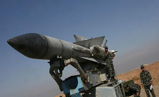 """بالفيديو : """"إس200"""" يدمر 6 صواريخ أطلقتها بوارج إسرائيلية قبل دخولها الأجواء السورية"""