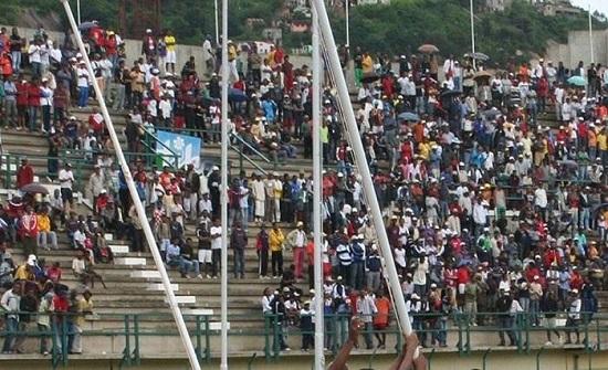 مصرع 16 شخصا واصابة 80 امام ستاد رياضي في مدغشقر