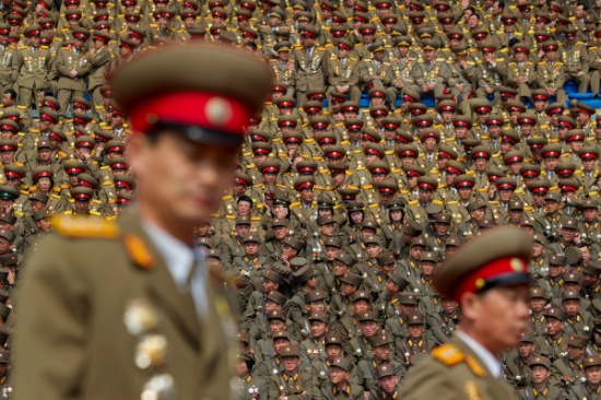 """""""من دولة فقيرة معزولة إلى نظام رُعب"""" .. هكذا نجحت كوريا الشمالية في بناء ترسانتها العسكرية الضخمة"""