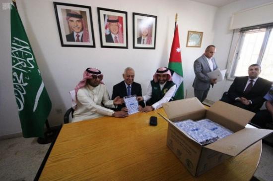 السعودية: تقديم 200 طن من التمور هدية للأردن