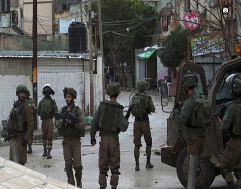 الاحتلال يحاصر منزلا بجنين ويطالب أحمد جرار بتسليم نفسه (صور)