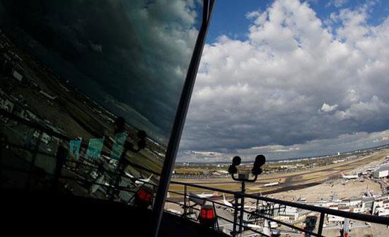 تأخير رحلات بمطاري هيثرو وغاتويك في لندن بسبب مشاكل في المراقبة الجوية