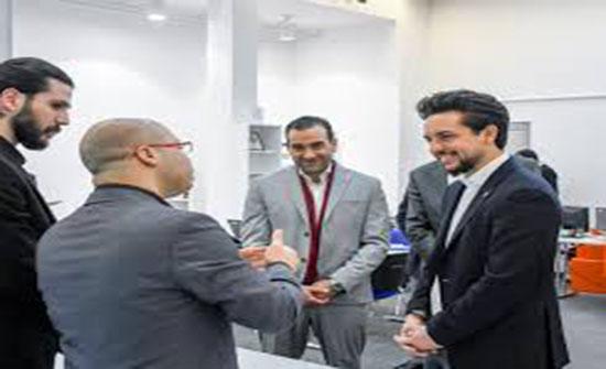 """ولي العهد يطلع على نشاطات """"مركز التميز للريادة"""" التابع لجامعة الحسين التقنية"""