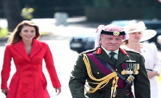 """ديلي ميل: الملكة رانيا """" أم """" يملؤها الفخر في حفل تخرج نجلها"""