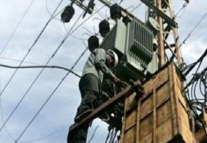 بلدية عجلون تفصل التيار الكهربائي عن 11 محلا تجاريا