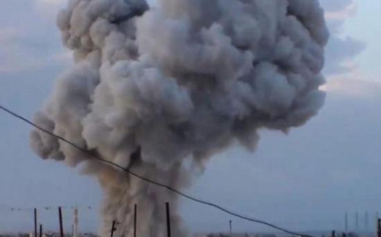 روسيا تقصف ريف حماة بالفسفور الحارق