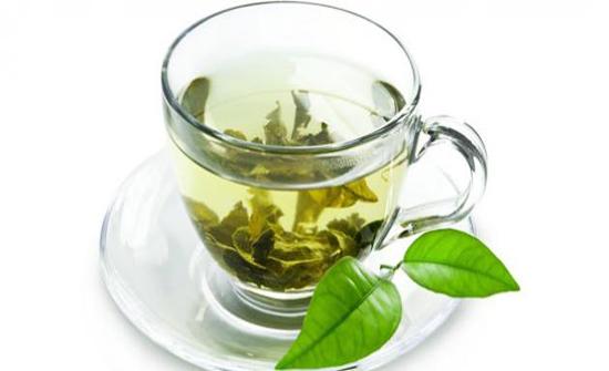 الشاي الأخضر... هل هو مفيد فعلاً للتنحيف؟