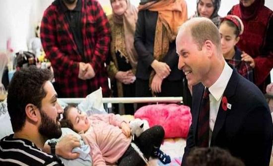 الامير وليام يزور الطفلة الاردنية لين الساطي في نيوزلندا.. صور