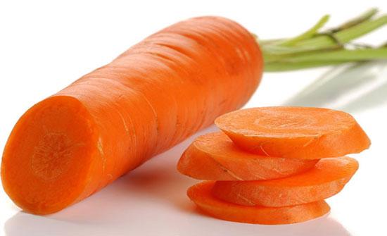 دراسة: تناول مواد غذائية غنية بفيتامين А يخفض خطر السرطان