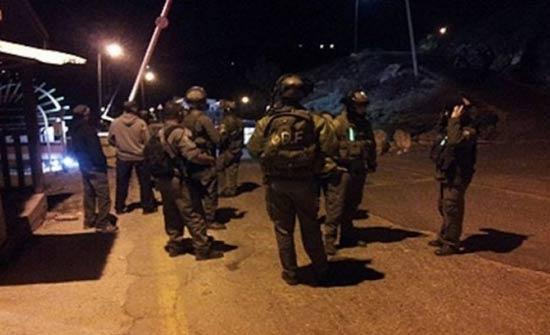 مداهمات للاحتلال بالضفة المحتلة واعتقال 8 فلسطينيين