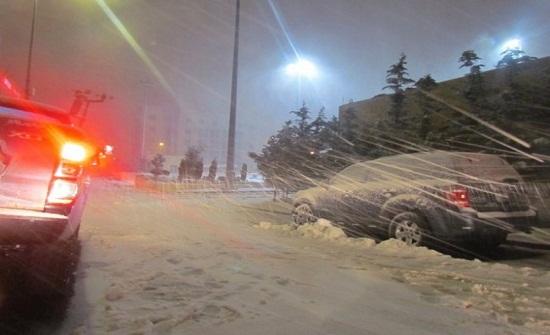 بلديتا ام القطين ودير الكهف تشهدان تساقطا للثلوج