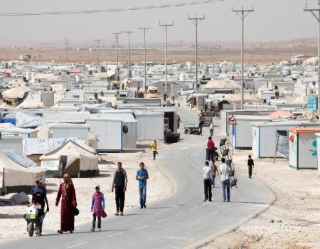 وفد طبي يزور عيادات الملك سلمان في مخيم الزعتري