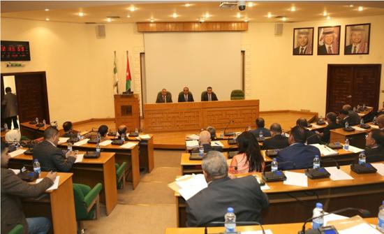 الشواربة : سنعمل على إدامة خدمات باص عمان والتوسع فيه