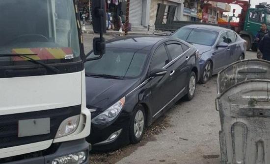 تصادم 3 سيارات في عمان يسفر عن وفاة سائق