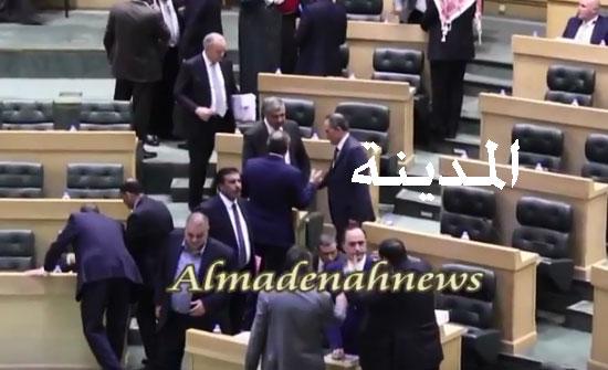 بالفيديو : التسجيل الكامل لجلسة النواب الرقابية :( أسئلة نيابية وأجوبة حكومية )