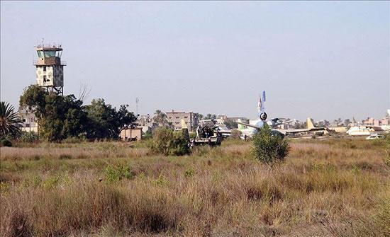 """ليبيا.. """"الوفاق"""" تعلن السيطرة على أجزاء واسعة من مطار طرابلس"""