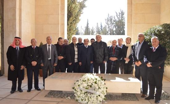 هيئة رواد الحركة الرياضية والشبابية تزور ضريح الحسين والاضرحة الملكية