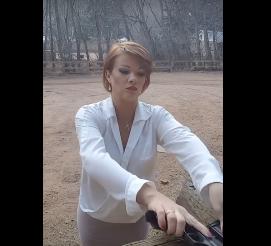 بالفيديو: ما تفعلة هذه السيدة صادم!!