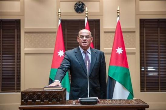 العلاف يلتقي اللجنة الوطنية للمتقاعدين العسكريين